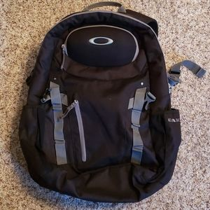 OAKLEY  backpack excellent condition black w/grey